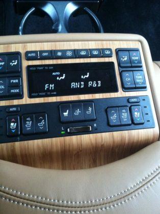 center console Lexus 600h L