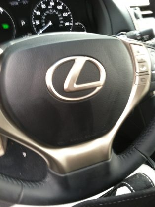 Steering wheel to Lexus RX hybrid