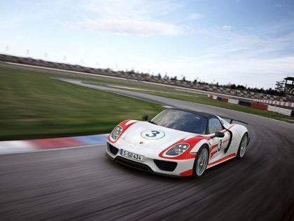 Porsche 918 Spyder Plugin Hybrid Electric Car Beats Own Benchmark Values