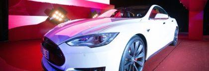 Tesla Panasonic gigafactory create lithium-ion battery cells