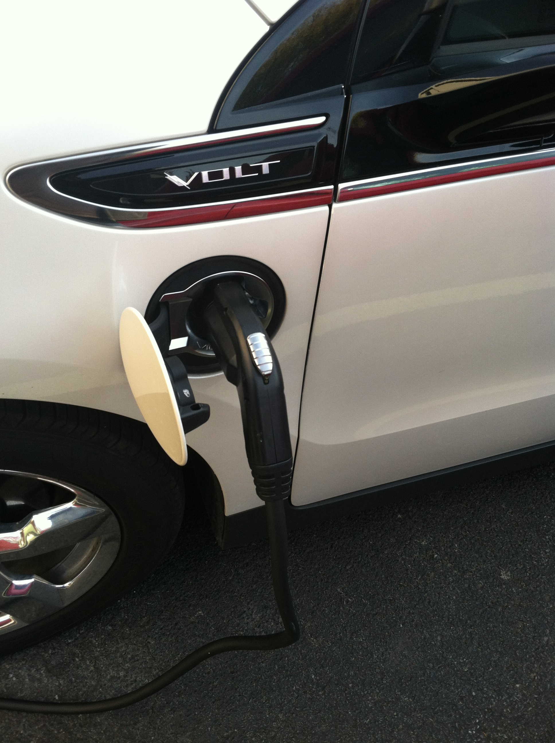 Charging the Chevy Volt at one of the the Hampton Inn's in Albany, NY