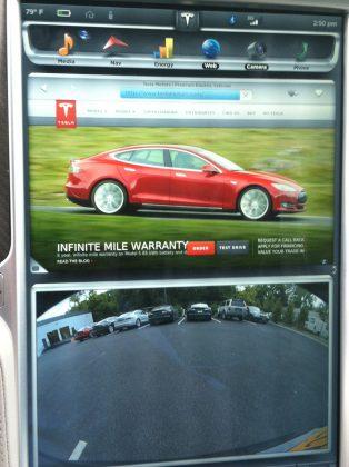 Screen Split on Tesla Motors Model S P85