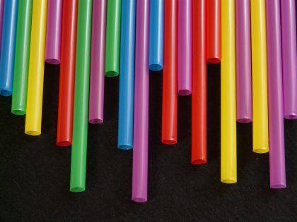 Non recyclable plastic straws