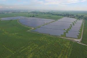 Conergy's solar farm project with RASLAG Corporation in Mexico, Pampanga Philippines. Image: Conergy