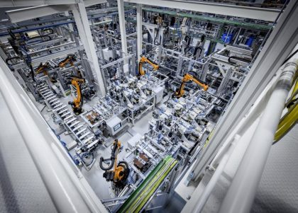 Mercedes-Benz is intensifying its cooperation with GROB-WERKE in the field of manufacturing technology, expanding its production capacity and know-how for next-generation batteries.